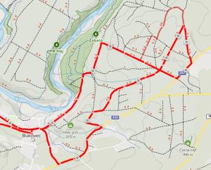 Změna trasy (silná čára - aktuální trasa, slabá čára předchozí vedení trasy)